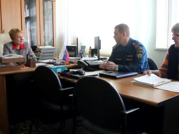 ГУ МЧС России по Псковской области: «Я б в пожарные пошел – пусть меня научат!»