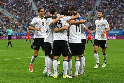 Вфинале Кубка Конфедераций встретятся Германия иЧили