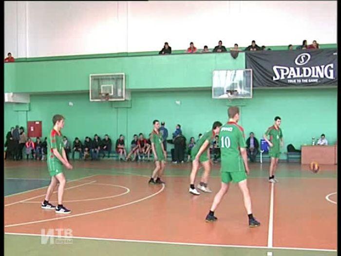Импульс\u002DТВ: Соревнования по волейболу между представителями власти и трудными подростками