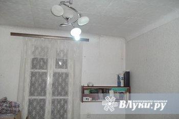 Двух комнатную квартиру, в г. Великие Луки, улица заслонова д 27 кв 1, 1 этаж 2…