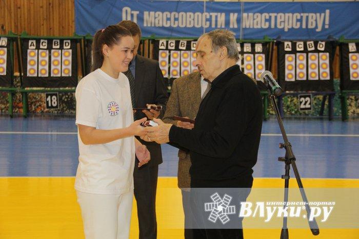ВВеликих Луках стартовали состязания лучников «Надежды России»