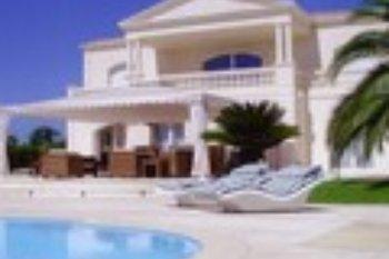 Варианты продаж и аренды курортной недвижимости Испании и Лазурного…