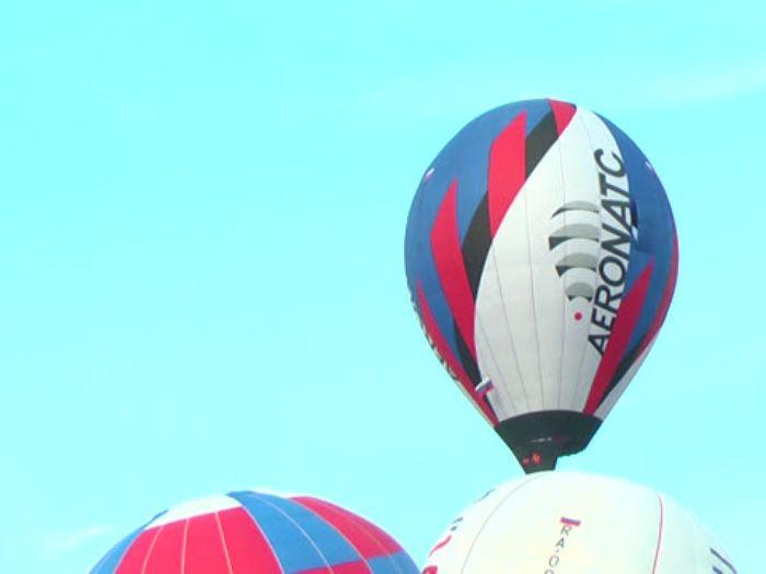 ВЛуки.ру: В Великих Луках началась 19\u002Dя Встреча воздухоплавателей
