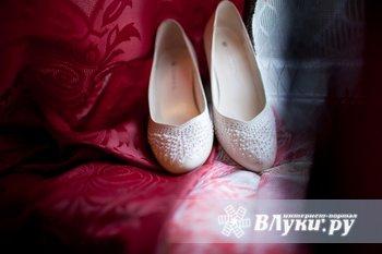 Продам очень красивое  свадебное платье размер 42-44 цвет шампань, б/у один…