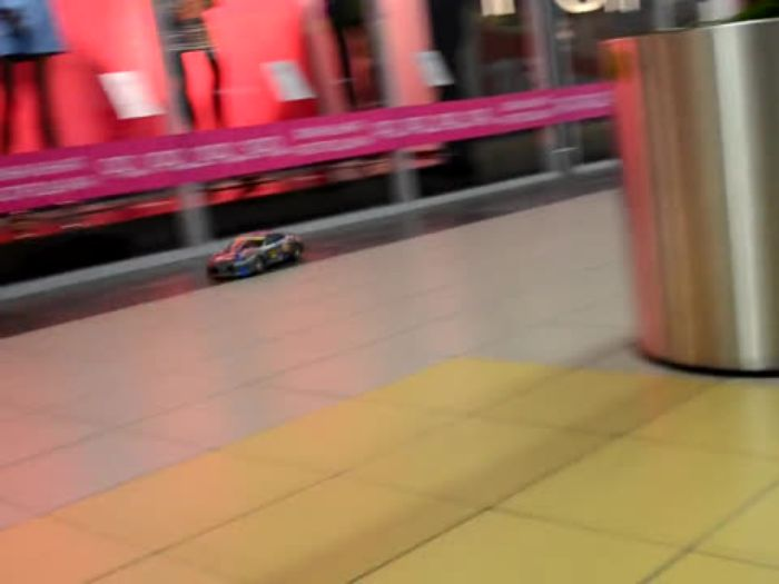 Покатушки в ТЦ Апельсин пробное видео (модельки машинок)