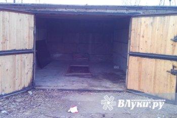 сдам гараж в районе дружбы за заводом импульс из бетонных блоков,нормальная яма…