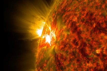 Ученые обещали разрушительную для Земли супервспышку на Солнце