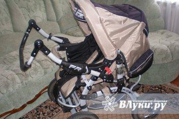 Продам коляску-трансформер, производство Польша.После 1 ребенка. Отдельная люлька, сумка, дождевик, москитка. Ручка регулируемая, перекидная.Спинка 4 положения.…