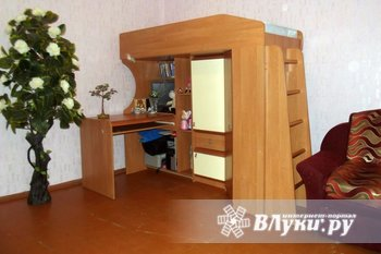 Детский уголок с компьютерным столом, угловым шкафом для одежды и новым…