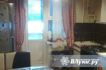 Продам 2 ком.кв.,ул.Рижская ,1эт.,в 5эт.доме,54 кв.м.,(все условия),кухня 9…