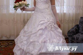 Продам красивое свадебное платье. Б/у один раз. Размер 44-46, Недорого.