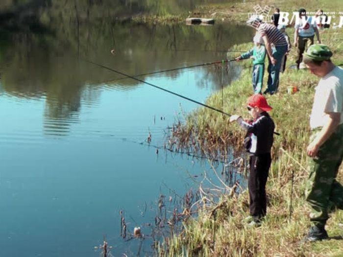 ВЛуки.ру: Детский фестиваль по ловле рыбы