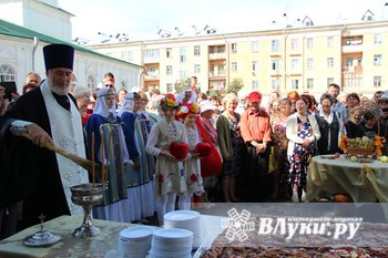 Празднование 850-летия  началось в храмах Великих Лук (ФОТО)