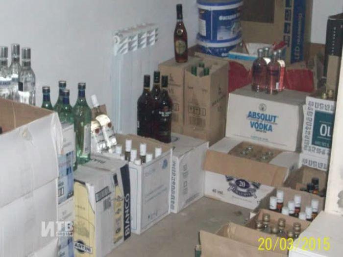 Импульс\u002DТВ: Точку по продаже контрафактного алкоголя накрыли в Великих Луках