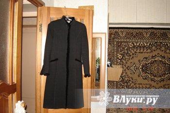 Продаю демисезонное пальто чёрное,классика. Воротник стойка и низ рукавов оторочен норкой. 2500 руб. Торг уместен. Новое. Размер 42-44.  Обращаться 5-05-39 или…