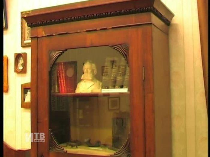 Импульс\u002DТВ: А.Турчак посетил музей\u002Dусадьбу С.Ковалевской