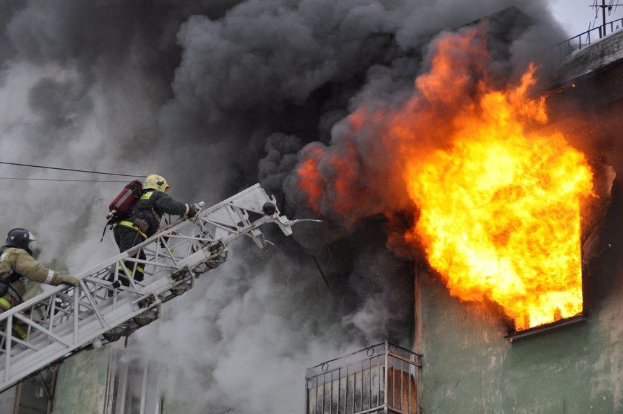 З а 10 месяцев 2015 года в псковской области на объектах и в жилом секторе зарегистрировано 776 пожаров