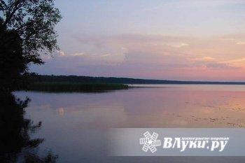 Есть участок не в глуши, вид на воду, для души.  Вторая линия озера Сиг. 15 км…