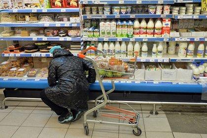 Опрос: свыше 80% граждан России выступили против ограничений работы супермаркетов