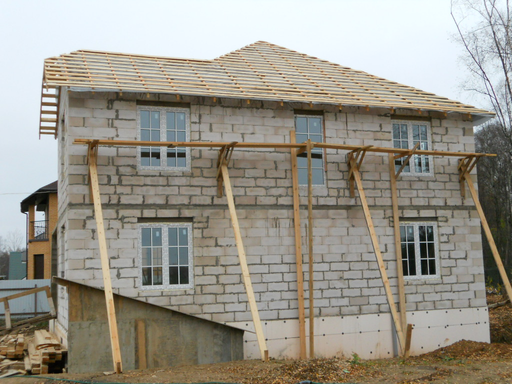 Строим дом из пеноблоков и своими силами
