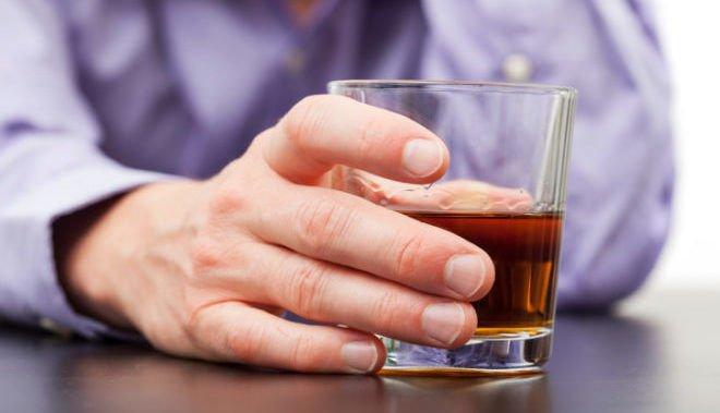 Названы уполномоченные профессий, которые употребляют больше всего алкоголя