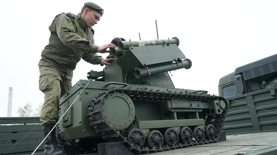 ВРосгвардии обсуждают принятие навооружение военных  роботов