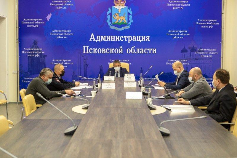 В 2021 году в Псковской области продолжат повышать безопасность дорог