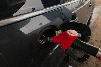 В Псковской области отмечено снижение цен на топливо