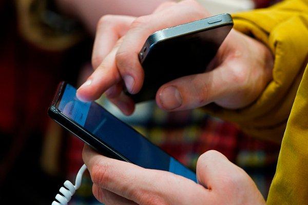 В Российской Федерации посоветовали ввести платную регистрацию мобильных телефонов